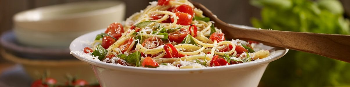 Fresh-Tomatoes-and-Basil-Spaghetti